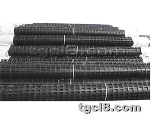 土工材料网提供生产钢塑复合土工格栅
