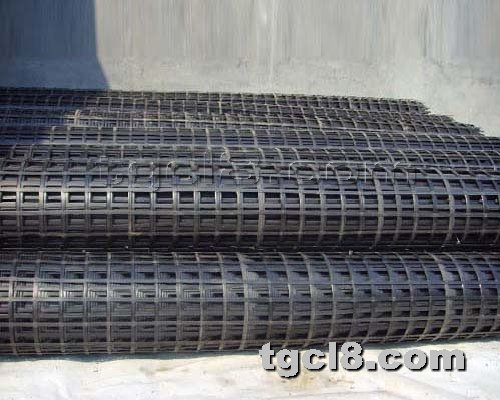 土工材料网提供生产双向钢塑格栅厂家